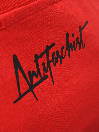 Squared Circle [DREIPFEIL / ANTIFASCIST-QUADER] - t-shirt - white, black on red // Photo 3