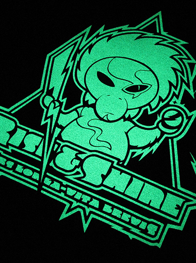 Rise & Shine [MISSION-PATCH] - t-shirt - luminous white on black [glow in the dark] // Photo 2